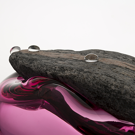 "Marja hepo-aho, skulptur, ""finally together"", signerad marja hepo-aho 2020. glas studio mafka & alakoski."