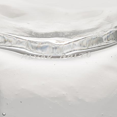 Alvar aalto, a signed alva aalto '3031' vase for iittala 1961-1973.