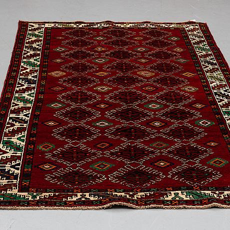 A carpet, west persian, ca 280 x 153 cm.