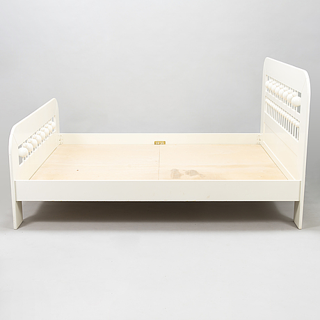 Eero aarnio, a 1970's 'abakus' bed for asko, finland.
