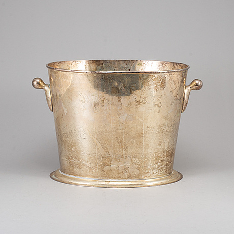 A 20th century plate wine cooler.