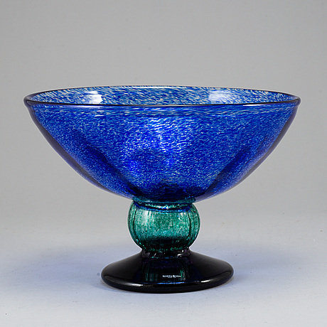 A gunnel sahlin footed glass bowl, for kosta boda, signed.