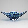 "A swedish glass bowl, ""rocka"" by sven-Åke carlsson, transjö, 20th century."