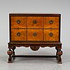 An early 20th century chest of drawers.