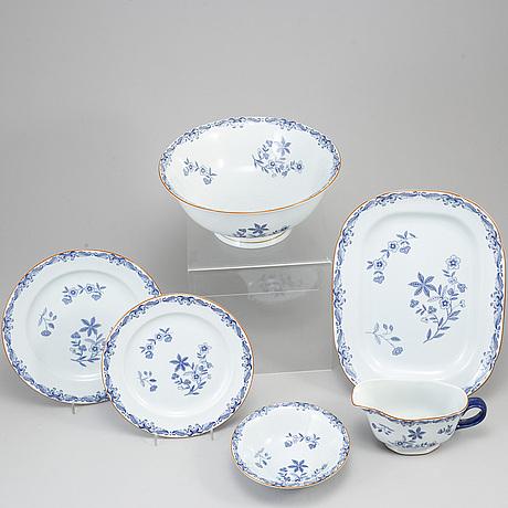 A 39 pcs 'ostindia' porcelain dinner service by rörstrand.