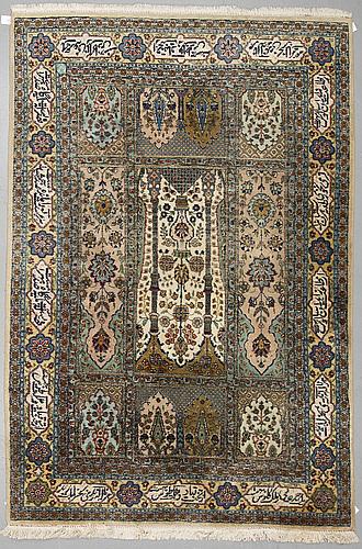 A carpet, a tabriz probably, ca 283-288 x 183,5-188,5 cm.