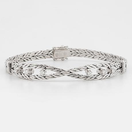 Armband 18k vitguld med runda briljantslipade diamanter.