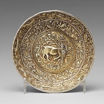 116. A parcel-gilt silver repoussé bowl, possibly Serbia 17th century, unmarked.