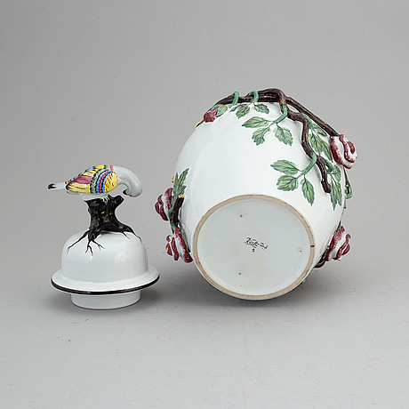 A faiance jar with cover, rörstrand, 20th century, after a 18th century model.