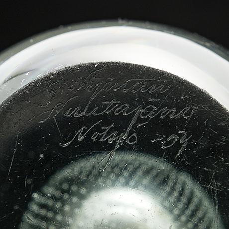 Gunnel nyman, three glass vases, signed g. nyman nuutajärvi notsjö. 1940s and 1954.