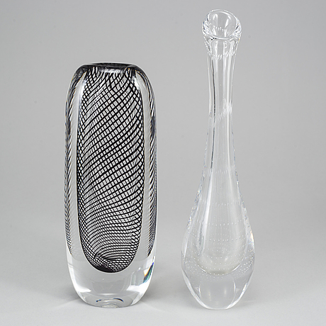 Vicke lindstrand, vases, a mixed lot of four 20th century  glass vases, kosta boda.