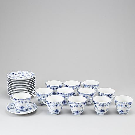 A royal copenhagen musselmaalet coffe service, denmark, 20th century. (28 pieces).