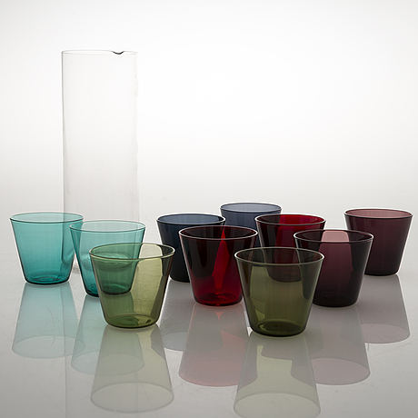 Kaj franck, a set of ten 'kimara' glasses with a model 1609 glass jug by nuutajärvi.