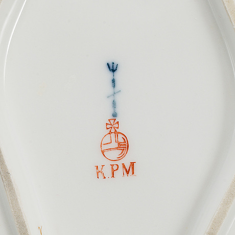 A part kpm porcelain dinner service, berlin, first half of the 20th century (101 pieces).