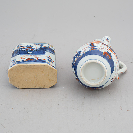 An imari jug with cover and a tea caddy, qing dynasty, 18th century.