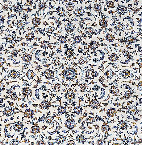 A carpet, kashan 416 x 303 cm.