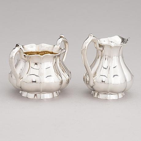Bruno nylund, a silver sugar bowl and cream jug, helsinki 1924.