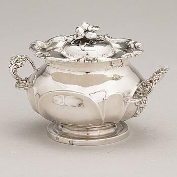 IVAN GUBKIN, A lidded sugar bowl, mark of Gubkin (Губкинъ), Moscow 1846.