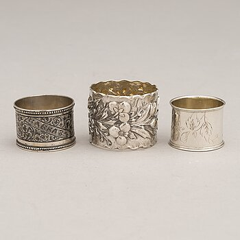 Three Russian silver napkin rings, Saint Petersburg and Moscow, late 19th and early 20th Century.