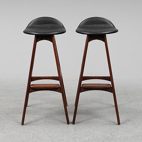Erik buck, a pair of model 'od61' rosewood bar stools from oddense maskinsnedkeri a-s, denmark, designed circa 1964.