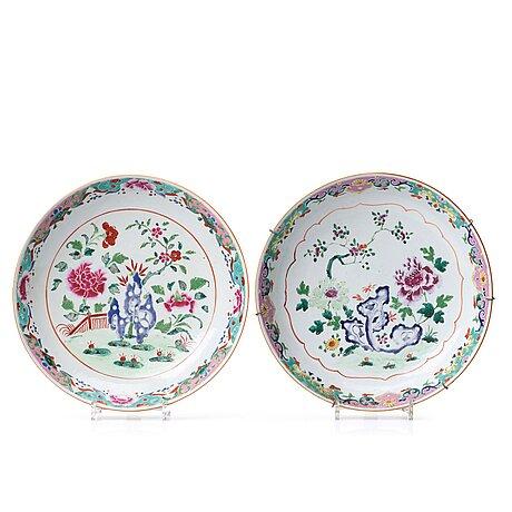 Fat, två stycken, porslin. qingdynastin, qianlong (1736-95).
