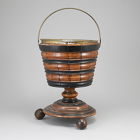 Champagnekylare, trä, 1800-tal.