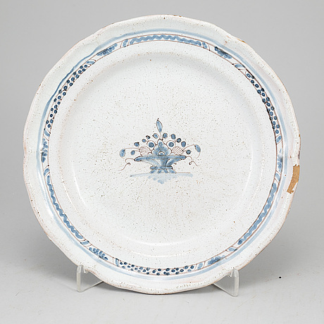 Three faiance dishes, 19th century.