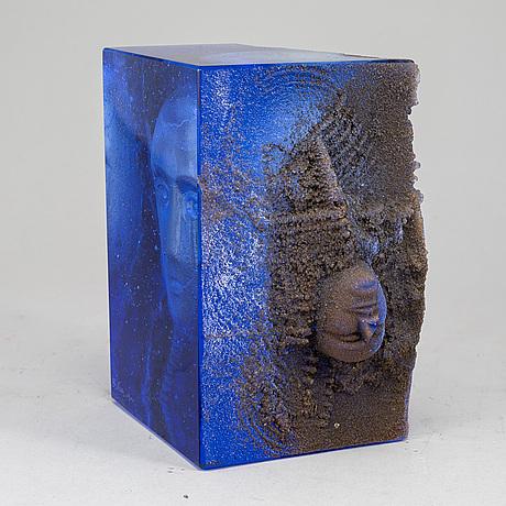 Bertil vallien, a unique glass sculpture from kosta boda.