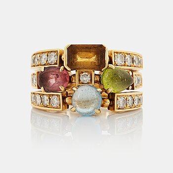 "944. A Bulgari ring ""Allegra"" in 18K gold set with round brilliant-cut diamonds."
