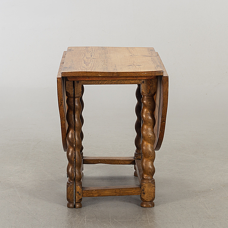 Table, 19th century.