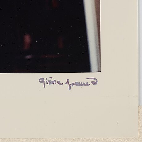 Gisèle freund, photograph signed and stamped.