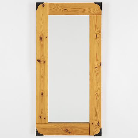 A late 20th century mirror.