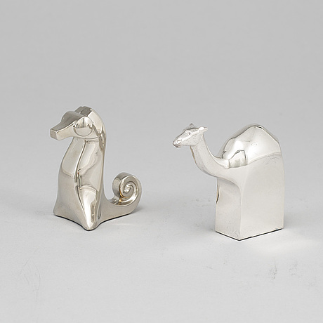 Gunnar cyrÉn, a group of two silver plated figurines, dansk design, japan.