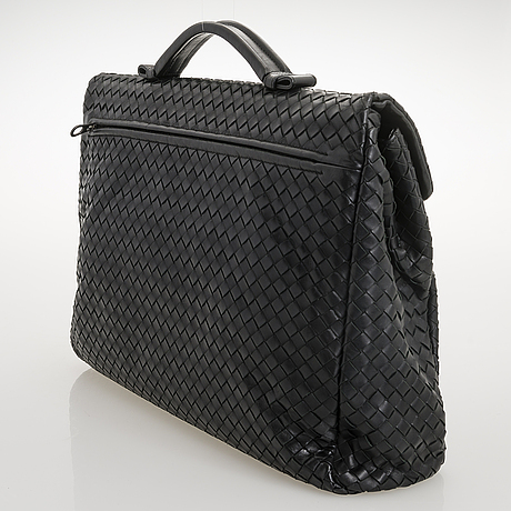 Bottega veneta black intrecciato leather briefcase.