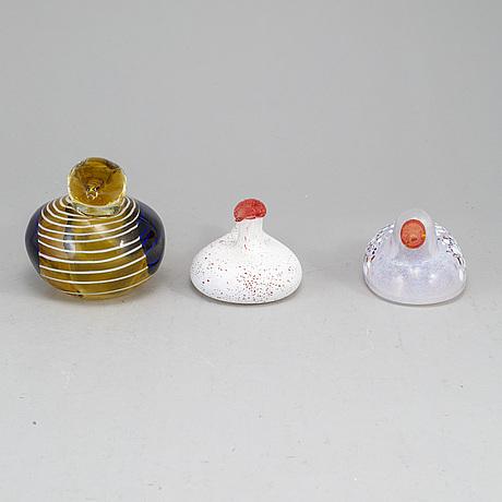 Three glass birds, incl. bertil vallien, kosta.