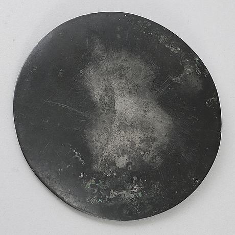 Spegel, brons. troligen handynastin (206 f.kr.-220 e. kr.).