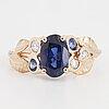 Ring, med safirer och briljantslipade diamanter.