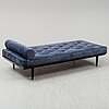 A contemporay ´ritzy' daybed from layered.