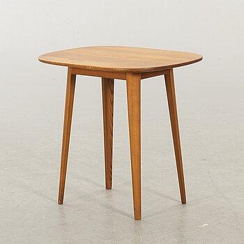 CARL MALMSTEN, A SMAL COFFEE TABLE.