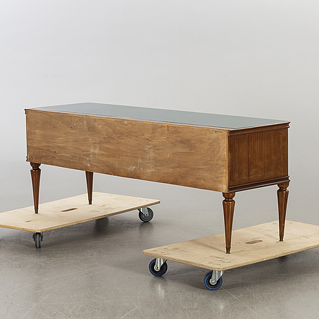 A mid 20th century sideboard.