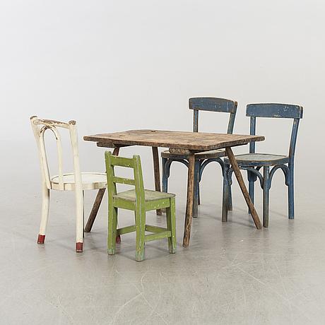 Bord samt stolar  4 st tidigt 1900-tal.