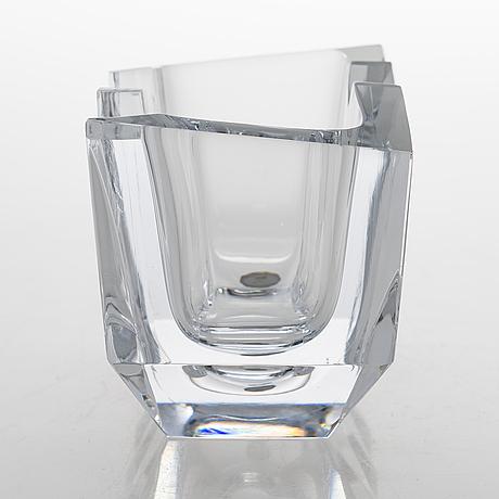 Erkkitapio siiroinen, a 'hakas-malja' art glass signed erkki siiroinen riihimäen lasi oy.