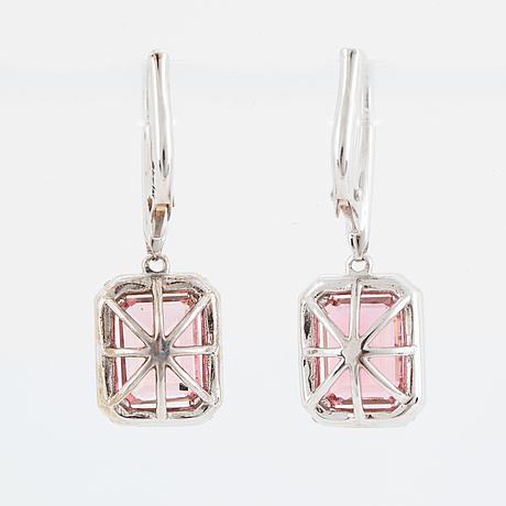 ÖrhÄngen, med rosa turmaliner och briljantslipade diamanter.