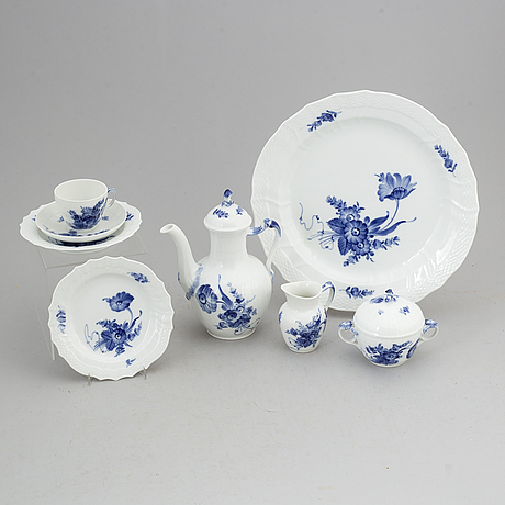 A royal copenhagen 'blå blomst' part coffee service, denmark (40 pieces).