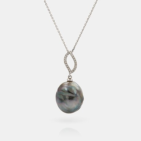An 18k gold tahitian cultured pearl pendant set with round brilliant-cut diamonds.