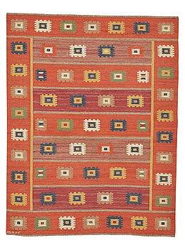 "198. Märta Måås-Fjetterström, A carpet, ""Röd grön äng"", flat weave, ca 259,5 x 200-201 cm, signed AB MMF."