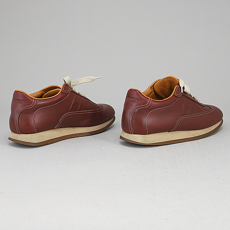 HermÈs, a pair of leather sneakers size 37 172.
