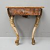 A rococo console table from the second half of the 18th century.
