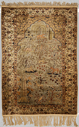 A rug, a semi-antique kayseri, ca 175 x 123 cm (as well as 2 cm flat weave at the ends).