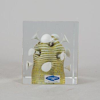 OIVA TOIKKA, a glass cube, Nuutajärvi, Finland 1981, 697/1000.